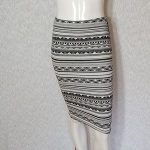 3/$24💟NWT A.BYER Fitted Stretch Midi Skirt